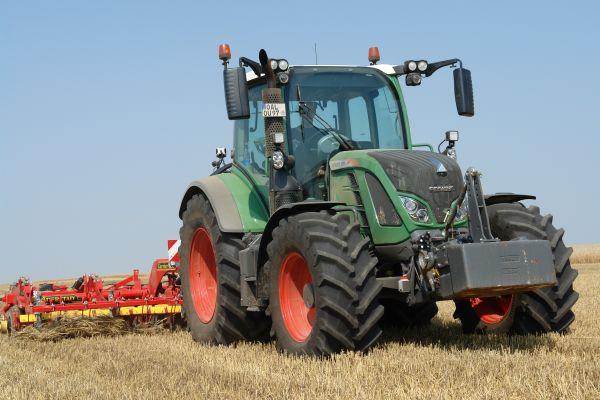 ev_traktora_2017_fendt-516