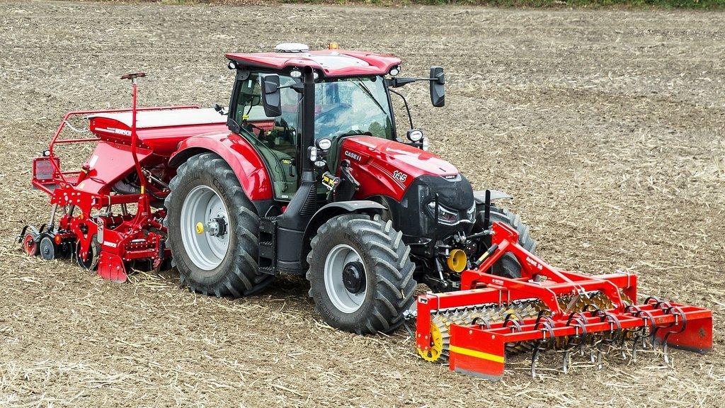 ev_traktora_case