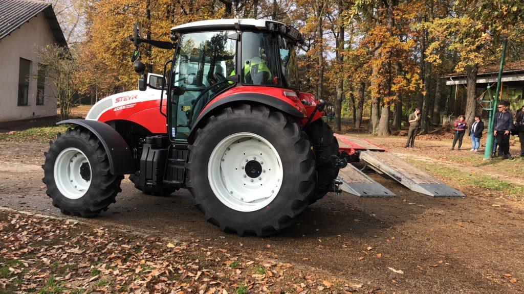traktor_atado_03