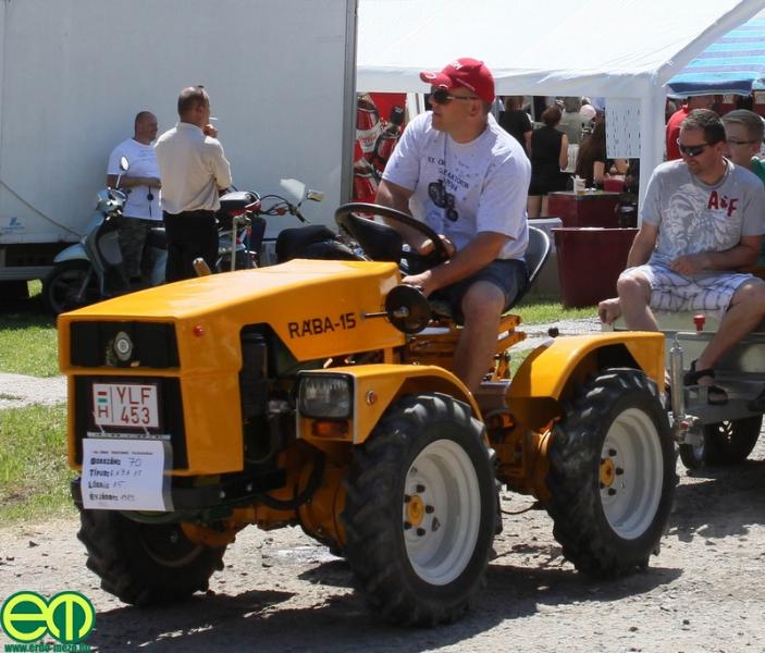 csafordi_veteran_traktor1