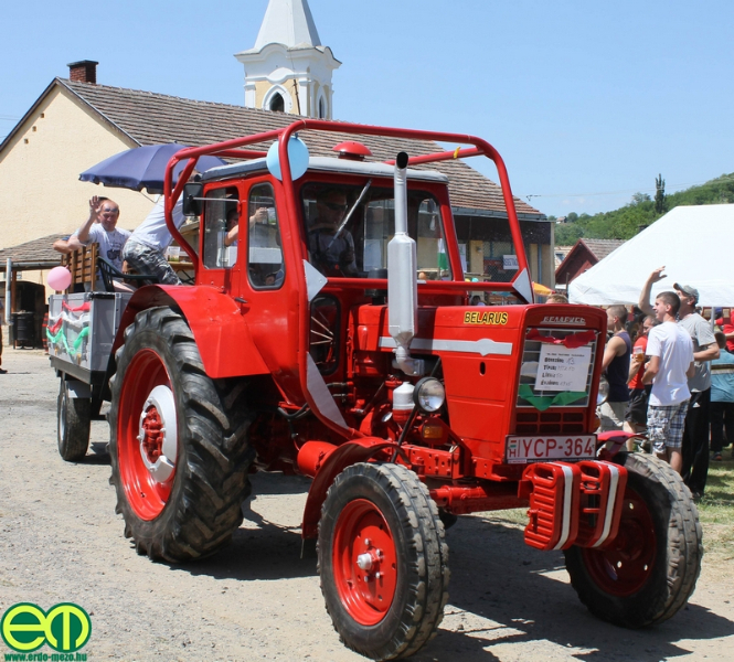 csafordi_veteran_traktor70