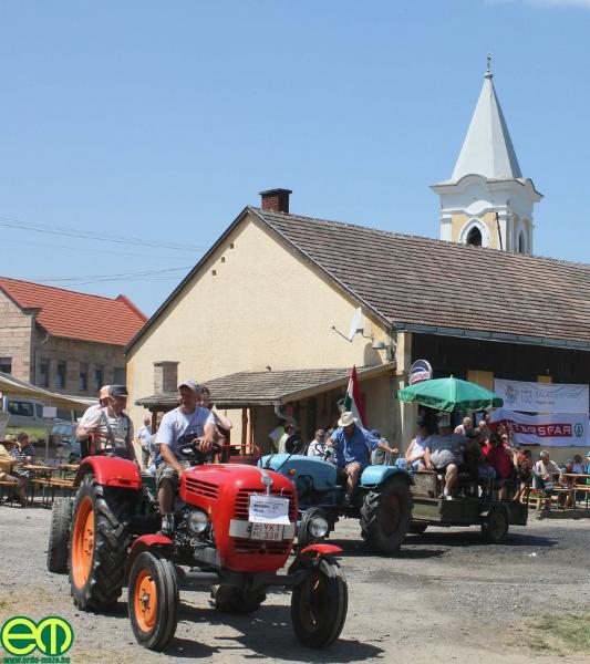 csafordi_veteran_traktor73