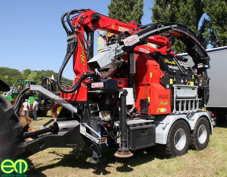 csafordi_veteran_traktor8