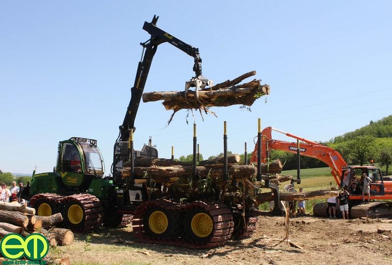 csafordi_veteran_traktor89