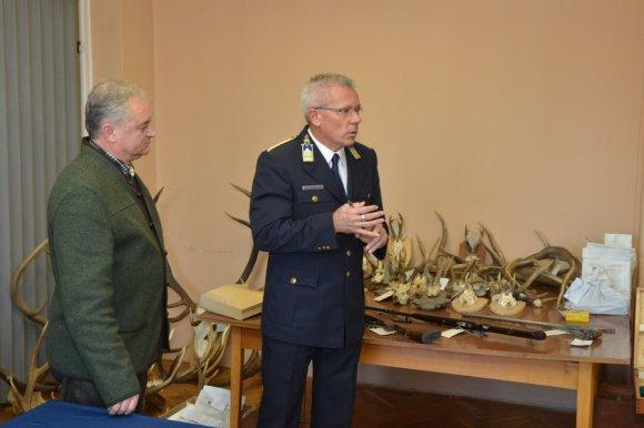 Gagyi István a Vasi Vadászkamara elnöke és Szendrődi Barnabás, Körmend rendőrkapitánya