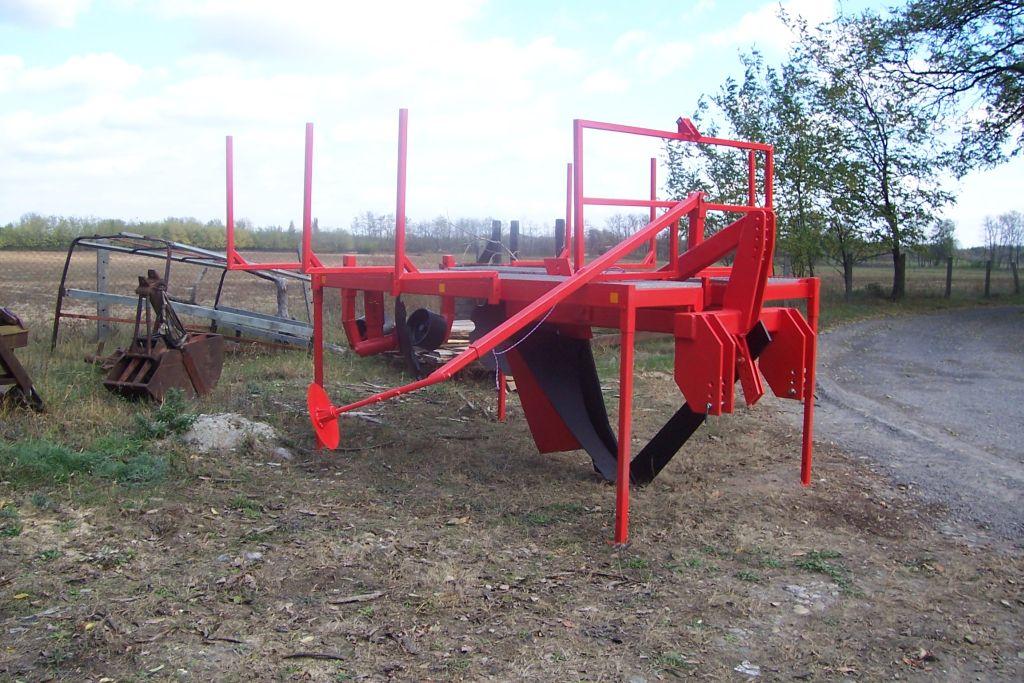 Erdészeti csemete- és suhángültető gép