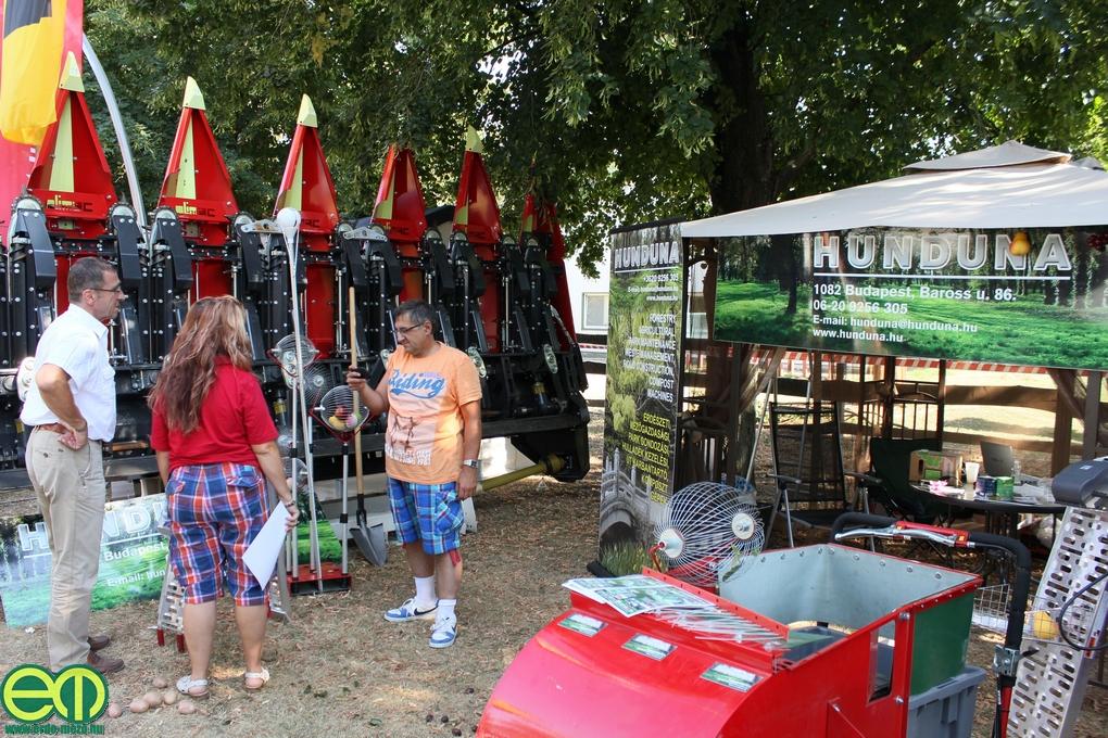 Erdészeti gépekkel az OMÉK-ra készül a Hunduna, Debrecenben a kertészet volt a középpontban