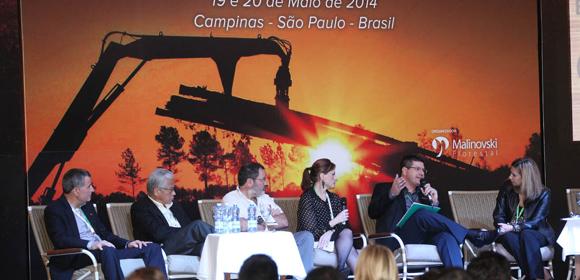 Az erdőgazdálkodók szakmai előadásokat is hallgathattak