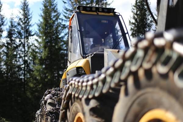 Az új erdészeti gép: Ponsse Bear 8w harvester