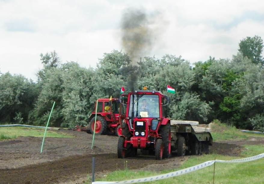 bodoglar_traktoros2