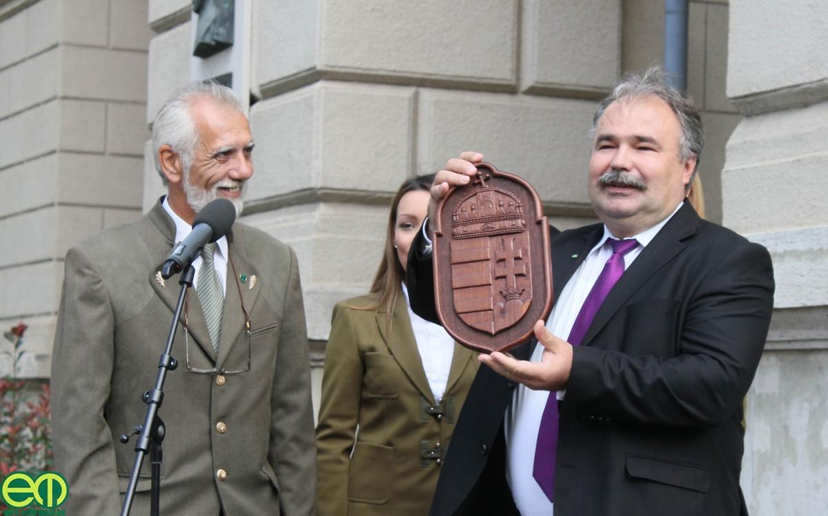 Nagy István a MEGOSZ 2014-es nagyrendezvényén az akkori magánerdős elnökkel, Luzsi Józseffel