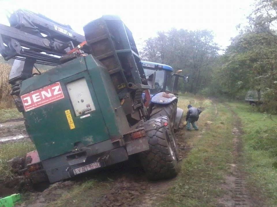Holló Manuel egy New Hollant traktor és egy JENZ aprítógép társaságában ragadt be. 2. rész...