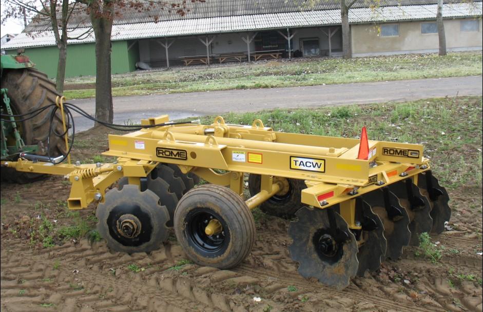 Magyarországon erdészei célra használt ROME TACW-10 típusú nehéztárcsa