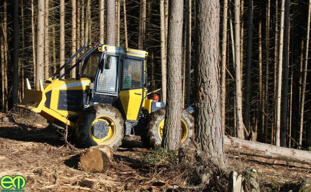 Hittner EcoTrac 55V erdészeti közelítő