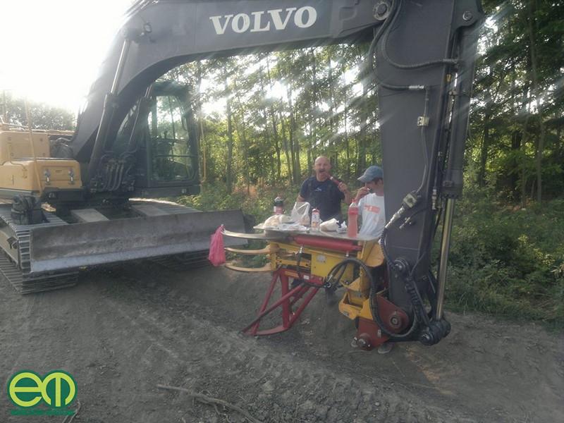 Egy igazi fakitermelő nyéri reggeli - Molnár István fotója