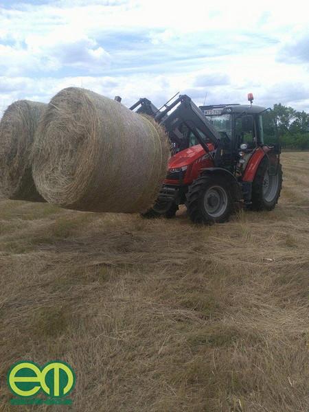 Bálarakodás Massey Ferguson traktorral - Orosz Dávid