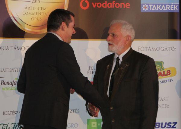 Gyuricza Csaba, az MVH elnöke, a rendezvény fővédnöke is gratulált Répászky Miklósnak