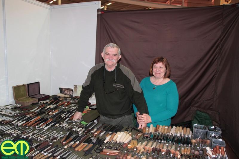 Madaras János főként vadászkésekkel készült a Silva Regina erdészeti és vadászati kiállításra