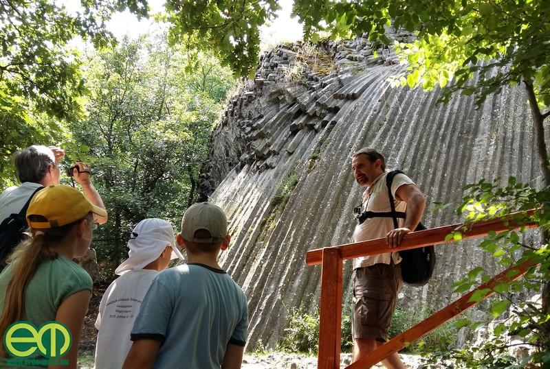 A Muzsikál az erdő rendezvénysorozat nyitónapján erdei kirándulást is tartottak Fülek környékén, amely a bazaltorgonákat is útba ejtette