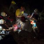 A Magyar Barlangi Mentőszolgálat egy turista mentését végzi a Pilisben.