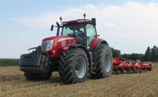 ev_traktora_2017_mccormick-x8-680-vt-drive