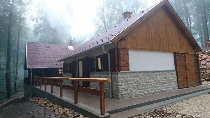 A felújított Károlylak a Kelet-Bakonyban