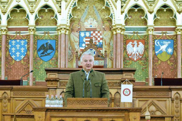 oee_parlament_semjen