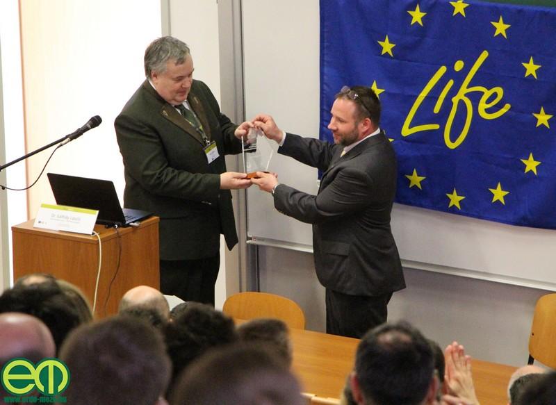 Gálhídy László megköszönte Dr. Bidló Lajosnak, hogy a Soproni Egyetem helyet adott a konferenciának