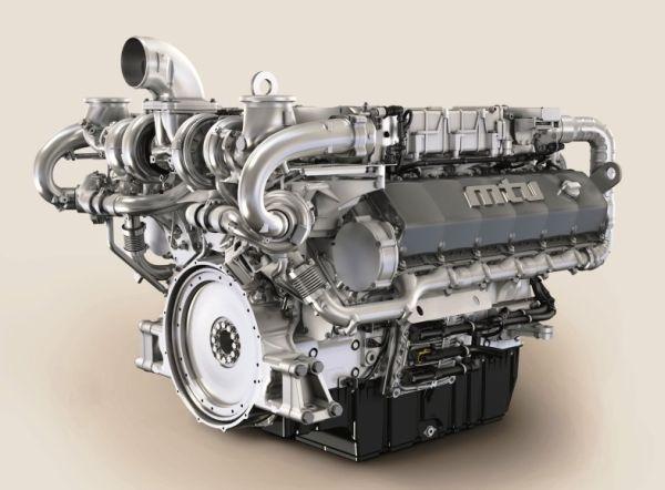 5. kép: MTU 12V 1600 sorozat jelzésű 680 kW (912 LE) teljesítményű dízelmotor