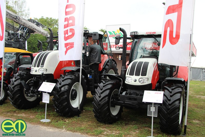 STEYR traktorok az Agro-Tippp Kft. standján