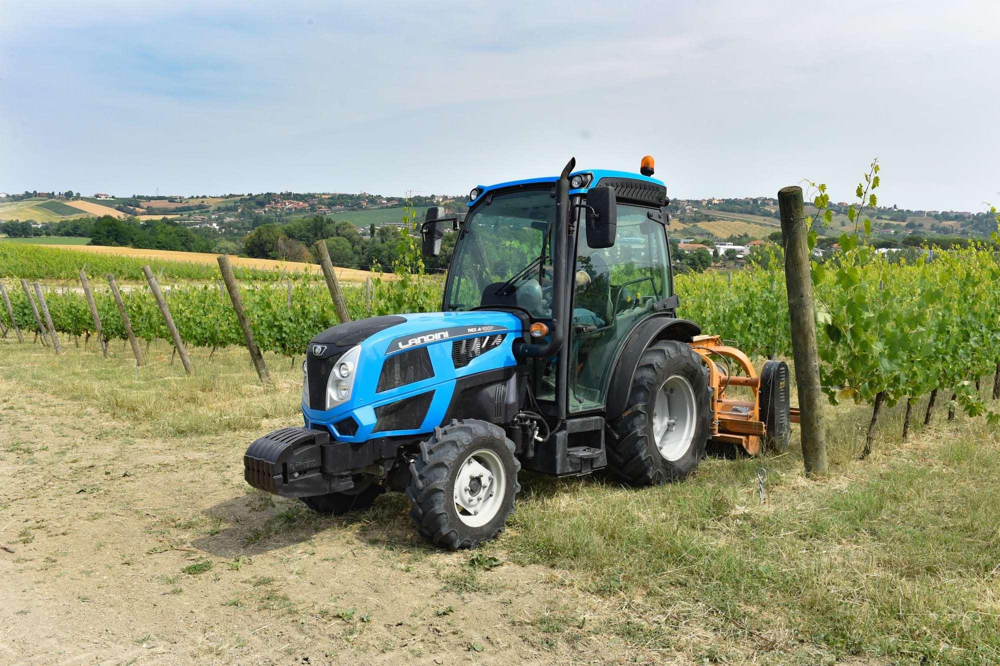 ev_traktora_landini