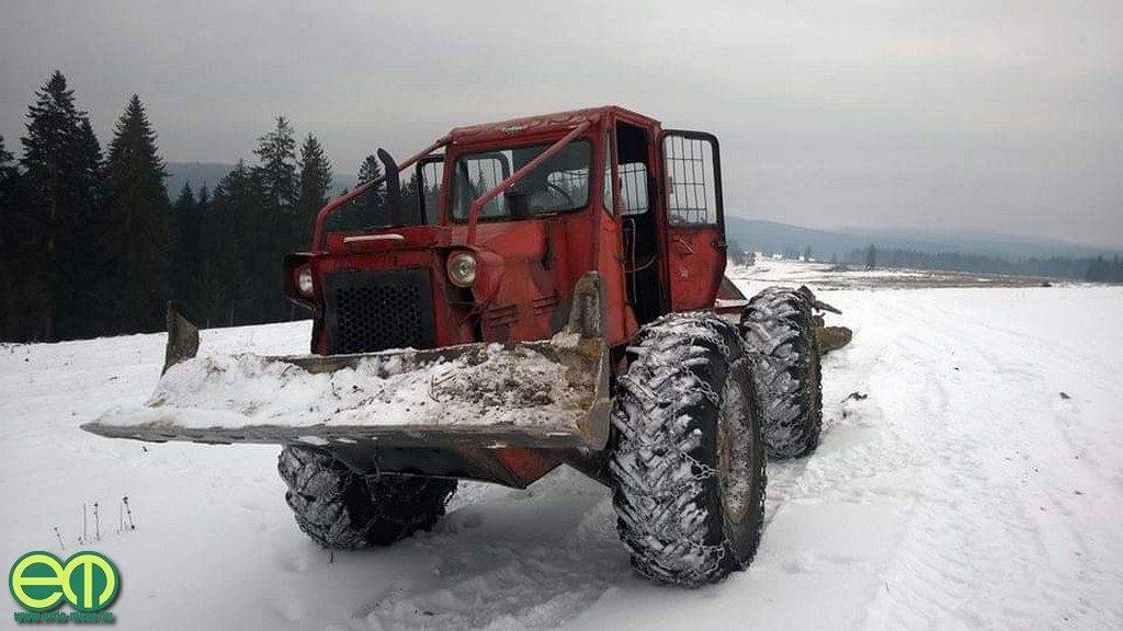 Kalapács Alpár öreg TAF erdészeti vonszolója