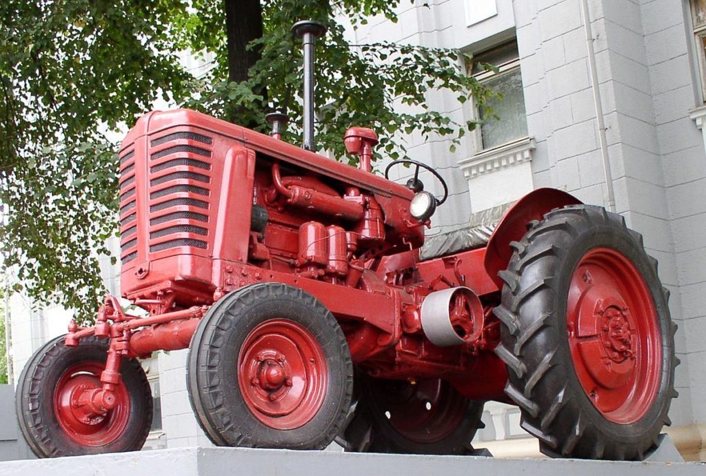 MTZ-2 traktor