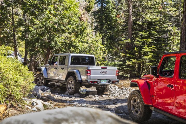 jeep_gladiator_2